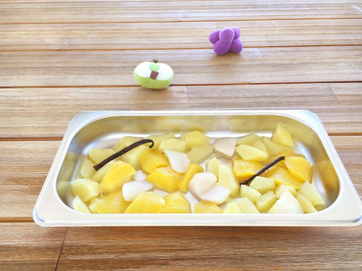 Zomerse appel-perzik puree